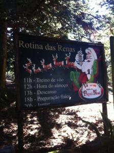 Gramado com Crianças Aldeia do Papai Noel Rotina das Renas