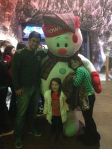 Fhabyo com as meninas: Marina (11) e Olivia (5).