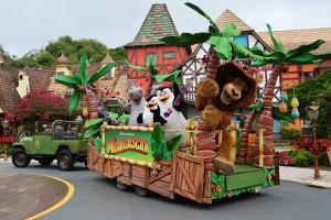 Parada  Mágica Madagascar no Beto Carrero