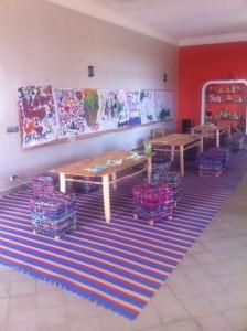 mesa para atividades artísticas