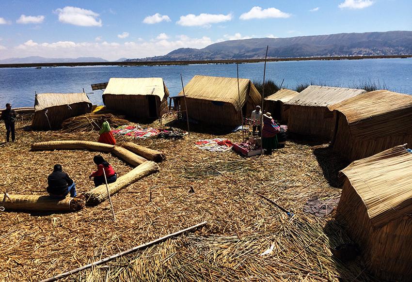 Islas Flotantes - Lago Titicaca