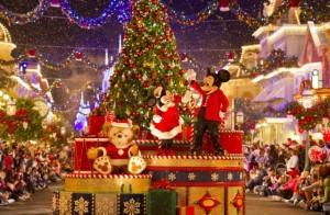 Mickey's Very Merry Christmas Party Gift of Holiday Cheer Disney com Crianças Natal na Disney