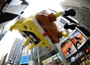 Balão do Bob Esponja no desfile da Macy's. (foto NBC News)
