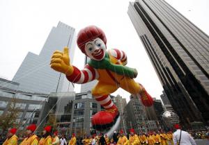 O Ronald MacDonalds também esta lá (Foto: NBC News)