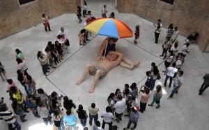 São Paulo com crianças Ron Mueck Pinacoteca