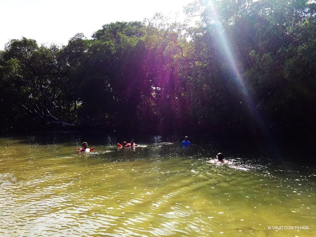 Flutuando em Barra Grande