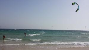 Ruta de los Pueblos Blancos_Praia Valdevaqueros_Kitesurf_Mães e pais que viajam com filhos