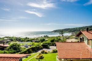 vista da casa no Village Praia do Rosa