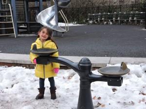Olivia brincando de Frozen!