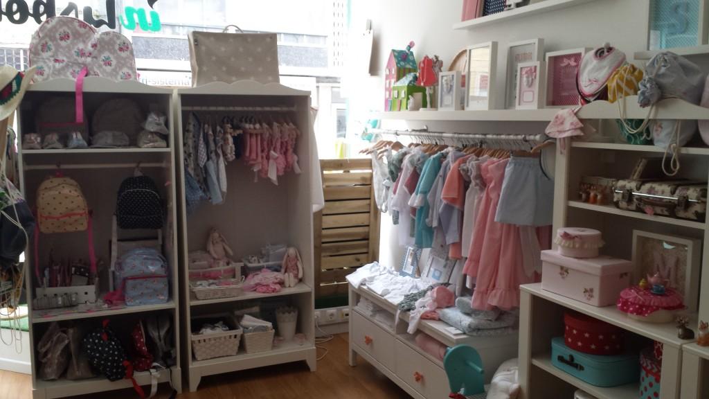 A loja mais completa da Bicho Molhado e é confiável. Roupas de bebê baratas, roupinhas de bebe e enxoval de bebe completo, temos Promoção Frete Grátis. Aproveite as ofertas de roupas de menino e menina, encontre e para seu bebê roupa barata.