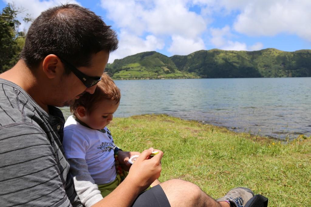 Lanchinho à beira da Lagoa Azul