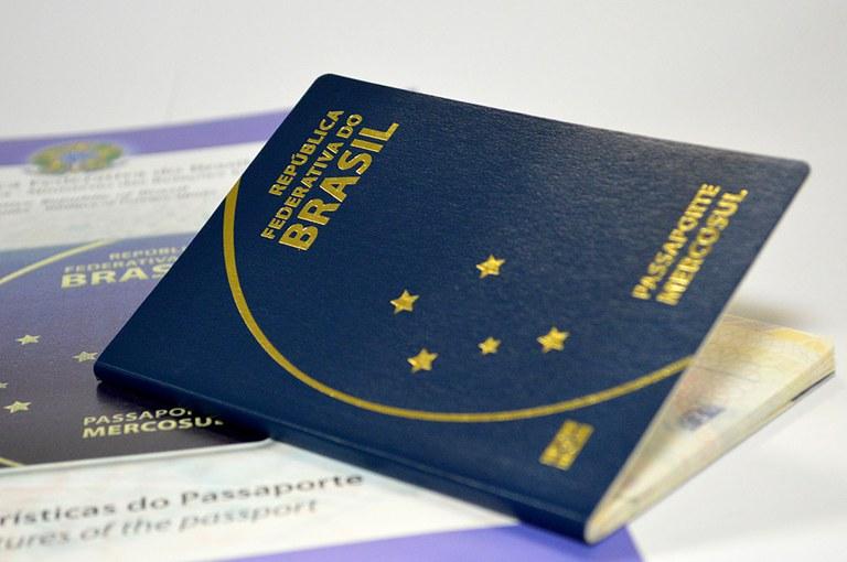 Viajar com filhos: tudo o que você precisa saber sobre passaporte para crianças