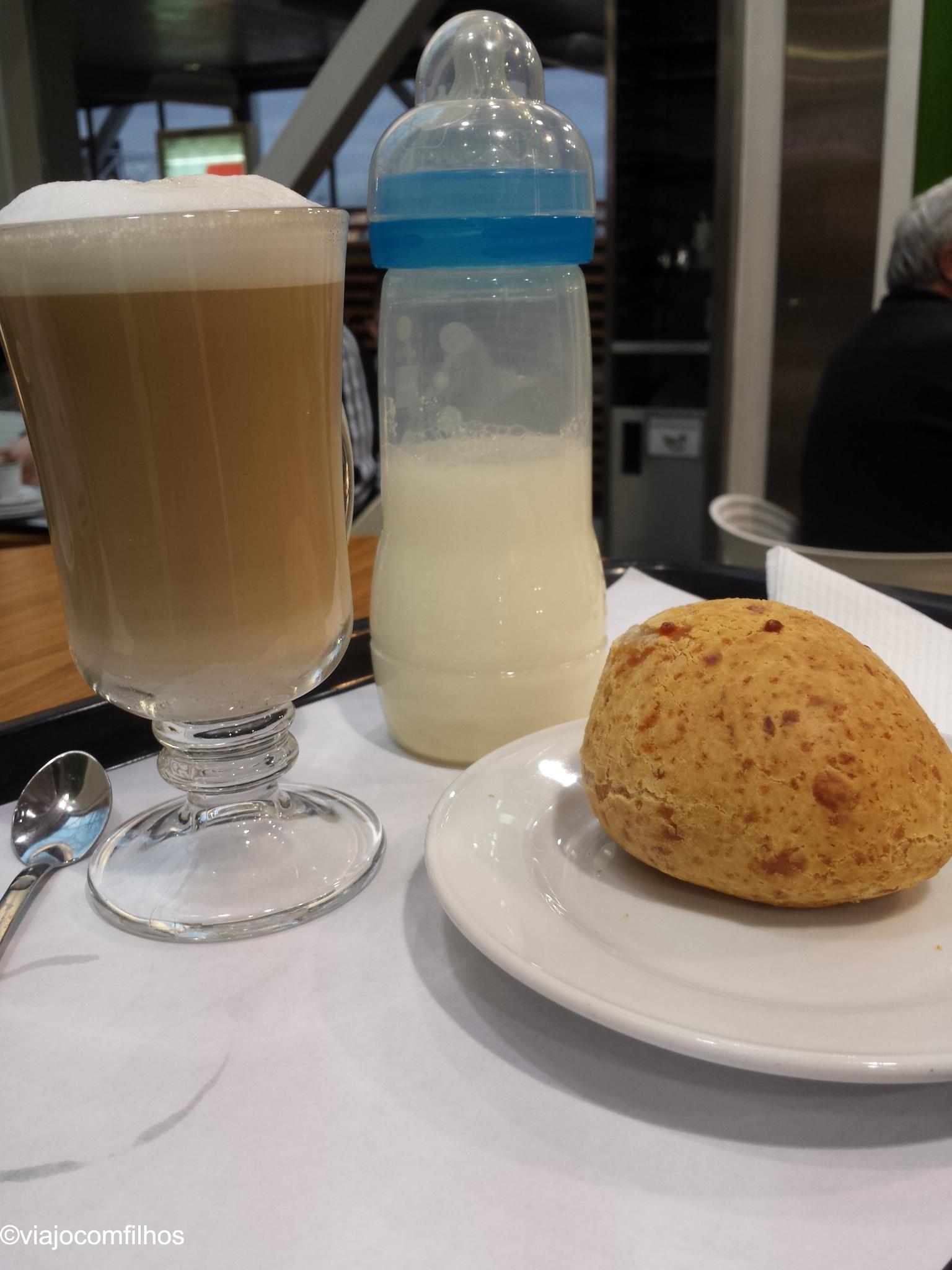 Café da manha no aeroporto