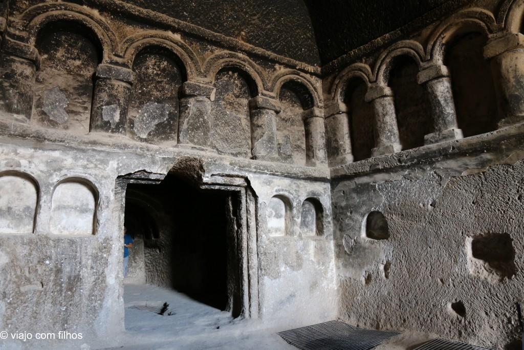 Interior de um edifício em Selime