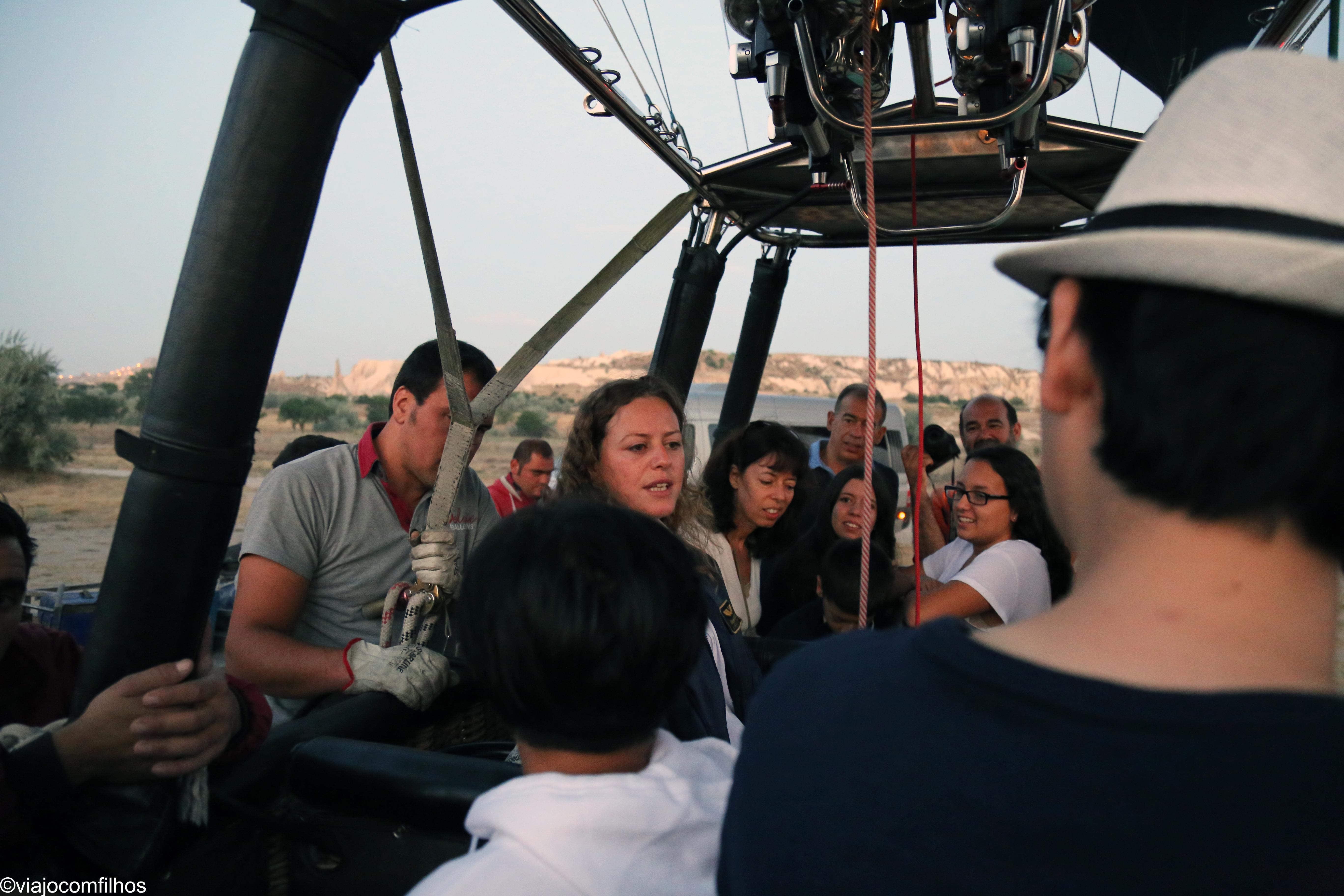 Piloto dando instruçoes