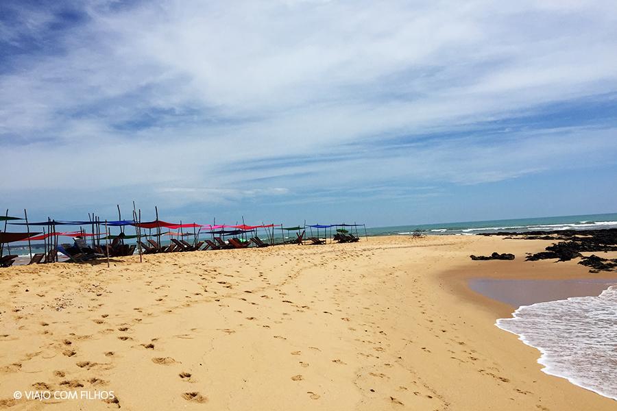 Ponta da praia, pertinho do encontro com o rio