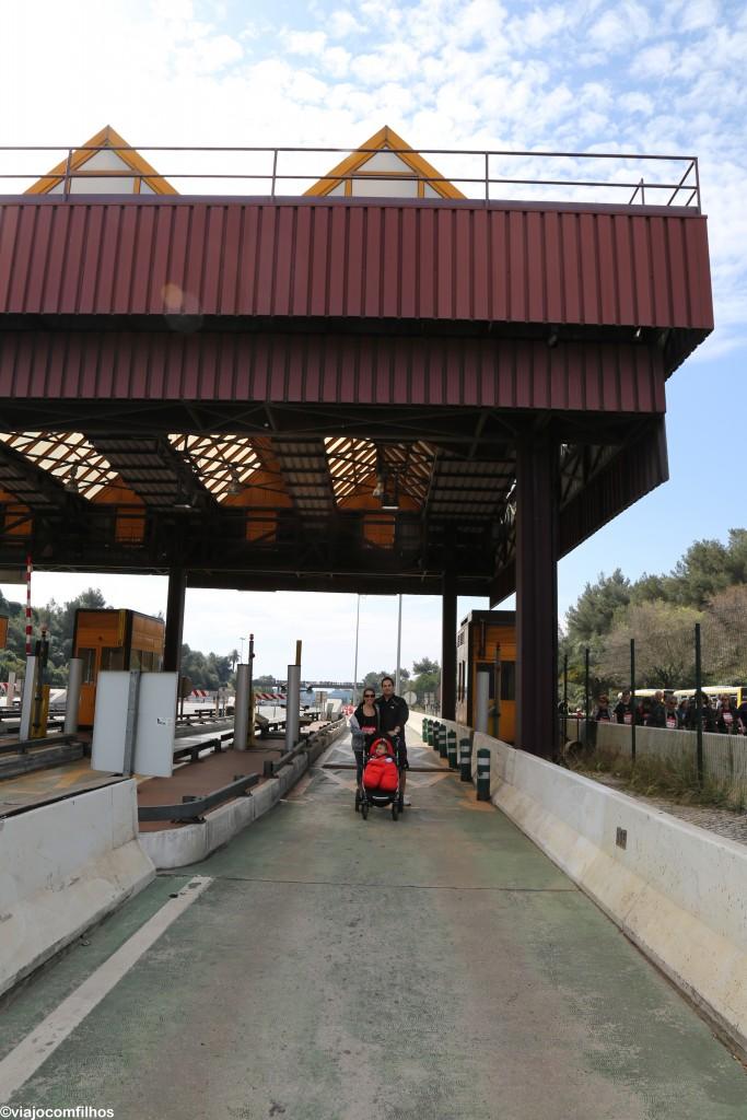 Pedágio da Ponte 25 de abril vazio depois da prova já começada