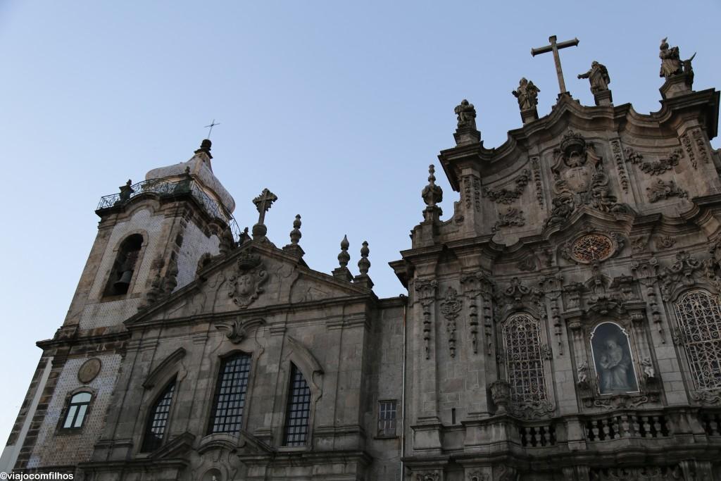 Fachada principal da Igreja do Carmo