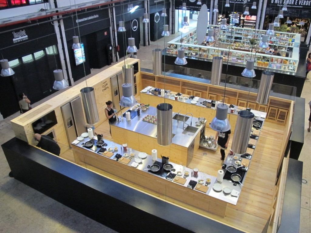 Foto do espaço da Academia Time Out no Mercado da Ribeira ( fonte: blog mesa do chef)