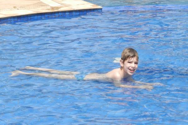 léo_piscina
