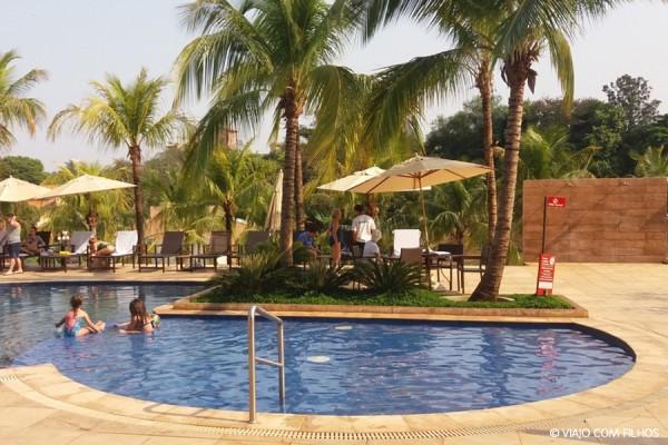 Celebration resort em ol mpia sp eu viajo com filhos for Piscina de sal em olimpia