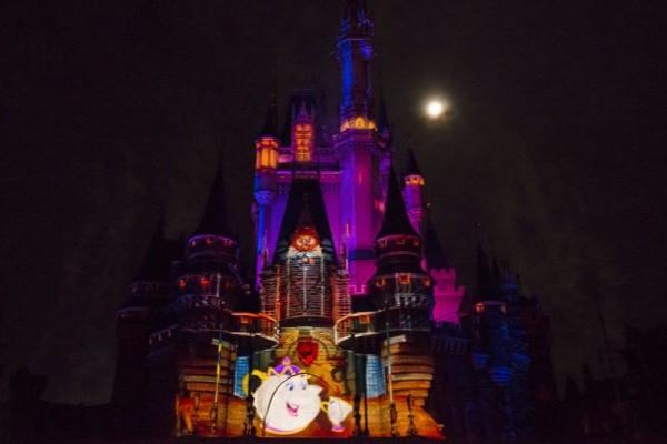Projeção no castelo da Cinderela