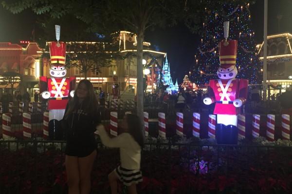 Já a entrada, a decoração natalina