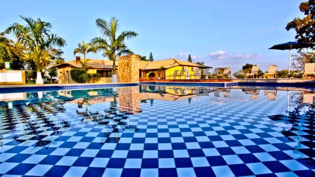 faz-spa-vida-bela_piscina