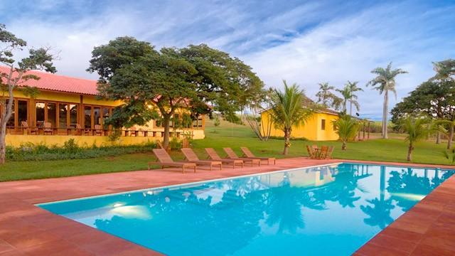 fazenda-santa-teresa-piscina-ft14