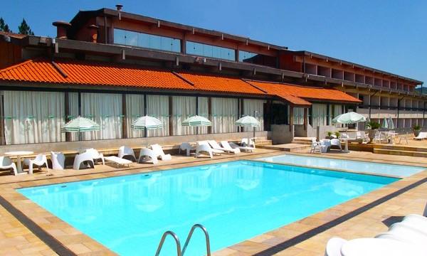 cabreuva-piscina-fachada