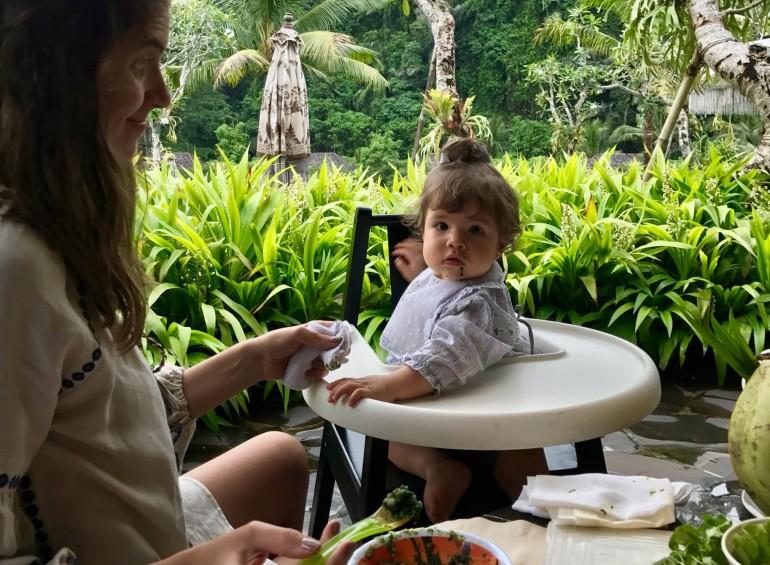 Alimentação do bebê em viagens internacionais