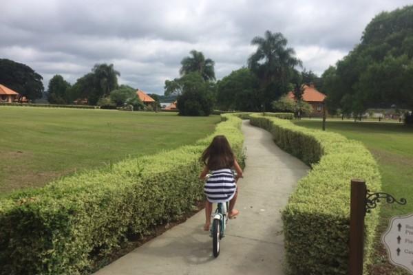 Olivia andou muito de bicicleta