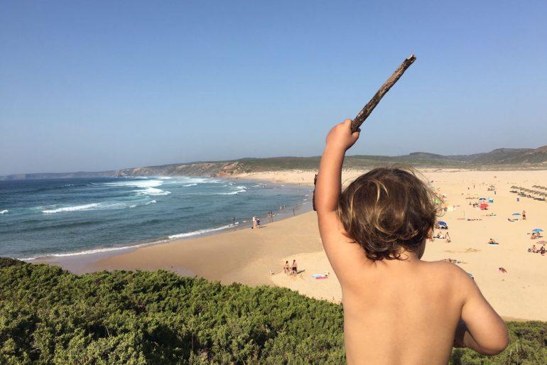 Portugal com crianças: Carrapateira, do surf às piscinas naturais