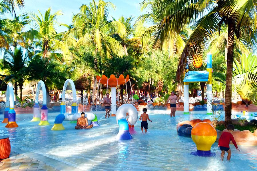 Parque Aquatico Hot Beach