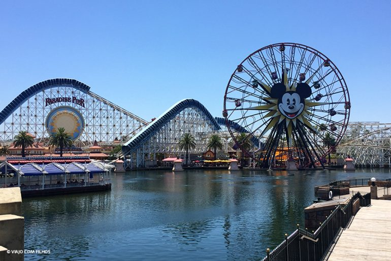 Disneyland e Disney California Adventure Park em Anaheim