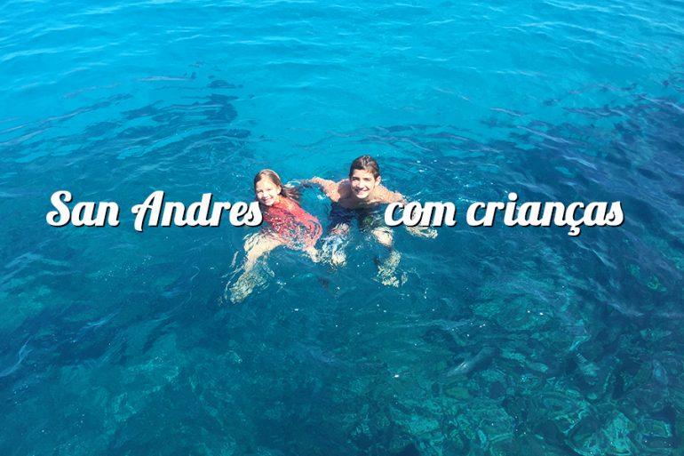 San Andres com crianças (Caribe na Colombia)