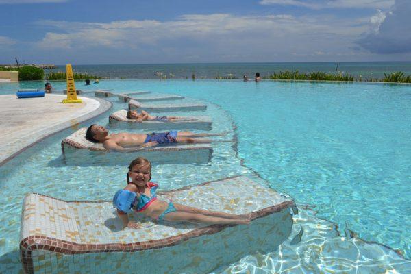 Piscina – Cancun com FIlhos
