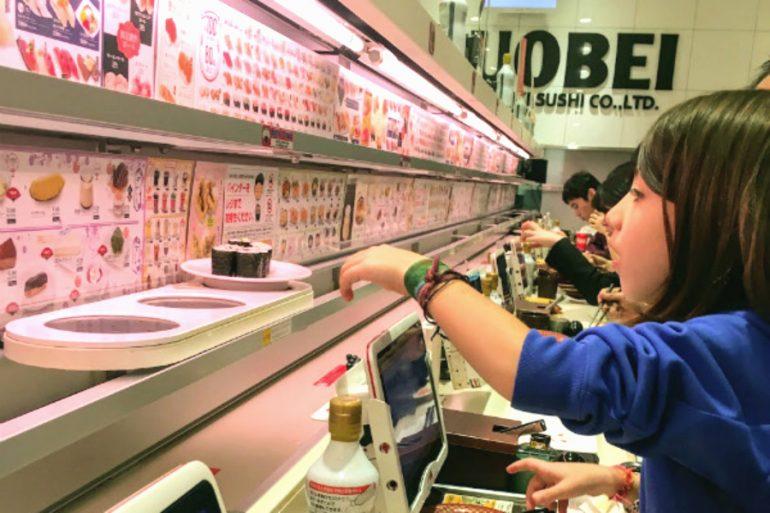 Japão com crianças: o restaurante do robozinho