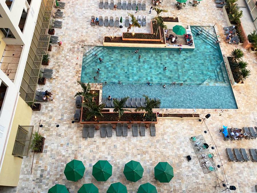 Hot Beach Suites
